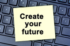 Skapa dina framtida ord på anmärkningar Arkivfoto