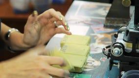 Skapa vaxformer för smycken lager videofilmer