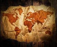 Skarb mapa na drewno stole Zdjęcie Royalty Free