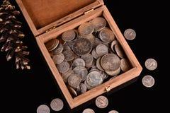 Skarb Srebne monety i Wi?cej zdjęcia stock