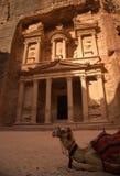 Skarbiec przy miastem Petra z perfect światłem cieniami i, Jordania Zdjęcie Royalty Free