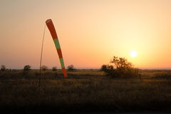 Skarpeta przy polem Wschód słońca fotografia stock