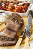 Skarv för steknötkött med stekgrönsaker Royaltyfri Fotografi
