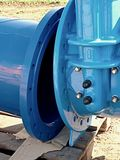 skarv för ventil för port för 500mm drinkvatten med skruvad rörmontering royaltyfria bilder