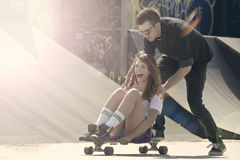 Skate couple Royalty Free Stock Images