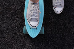 Skate na terra imagens de stock