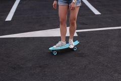 Skate na terra fotos de stock