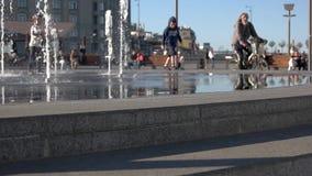 Skate que move-se no lento-mo video estoque