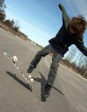 skateboard αγοριών Στοκ εικόνα με δικαίωμα ελεύθερης χρήσης