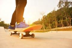 Skateboard fahren Lizenzfreie Stockbilder