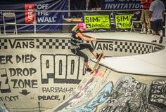 Skateboard fahrender Frauen - Van Doren Invitational am US Open Lizenzfreie Stockbilder
