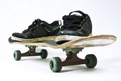 Skateboard an shoes Royalty Free Stock Photography