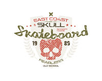 Skateboard skull emblem Royalty Free Stock Photography