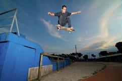 Skateboarder flying Royalty Free Stock Photo