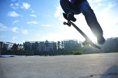 Skateboarder legs skateboarding Royalty Free Stock Photography