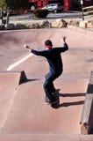 Skateboarder nel parco del pattino Fotografie Stock Libere da Diritti
