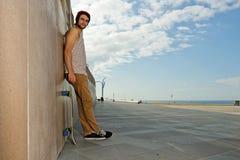 Skateboarder spensierato Immagine Stock