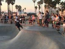 Skateboarders in Venetië stock foto's