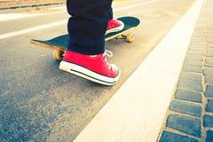 Skateboardertruc in strandweg Stock Fotografie