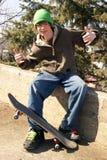 Skateboardfahrer-Haltung stockbilder