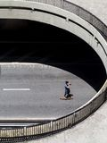 Skateboardfahrer an paulista Allee in Sao-Paulo stockbild