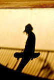 skateboarding силуэта Стоковое фото RF
