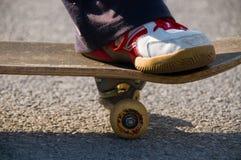 Skateboarding do adolescente Fotos de Stock