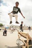 Skateboarding i Addis Royaltyfri Bild