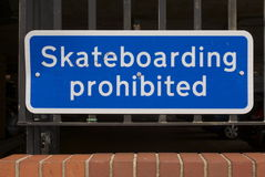 Skateboarding interdit Photo libre de droits