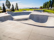 Skateboarding parkerar på havkusten Royaltyfri Foto
