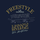 Skateboarding t-skjorta grafisk design - vektor Royaltyfri Foto