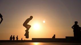 Skateboardsprong stock video