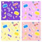 Skateboardsrecorders бананов геометрии картины Мемфиса предпосылки установленных различные Стоковые Фотографии RF
