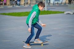 Skateboradåkarepojke Arkivfoto