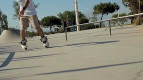 skatepark慢动作的专业溜冰者 影视素材