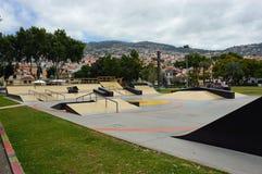 Skatepark i mitten av Funchal arkivfoton