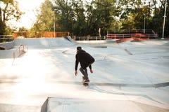 Skater afroamericano joven Fotografía de archivo
