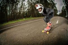 Skater en declive en la acción Foto de archivo libre de regalías