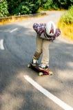 Skater en declive en la acción Imagen de archivo libre de regalías