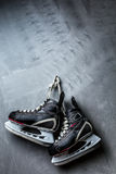 The skates weigh on the wall Royalty Free Stock Photography