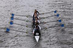 Skattkusten springer i huvudet av Charles Regatta Womens ungdom Eights Royaltyfri Bild