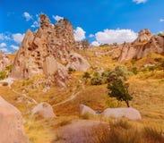 Skały z zawalają się inside w Cappadocian terenie Obrazy Royalty Free