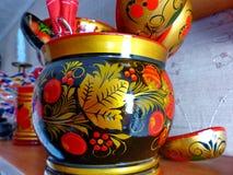 Skedar och bordsservis closeup Khokhloma - ett forntida ryskt århundrade för folkhantverk XVII Traditionella beståndsdelar Khokhl Arkivfoton