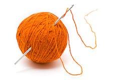 Skein do fio de lãs e do gancho de crochet Foto de Stock Royalty Free