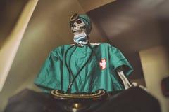 Free Skeleton Doctor Medical Bag Stock Images - 74924844