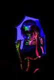 Skelett- bodyart med blacklight Royaltyfria Bilder