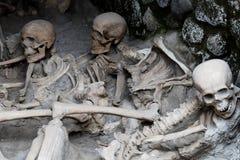 Skelett i fartygskjul, Herculaneum arkeologisk plats, Campania, Italien Arkivbilder