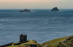 Skellig-Inseln gesehen von Bray Head Valentia-Insel, Irland Lizenzfreie Stockfotos