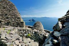 Skellig Michael eller stora Skellig, hem till de förstörda restna av en kristen kloster, land Kerry, Irland arkivbild