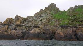 Skellig Michael - het mooie kleine eiland in Ierland - beroemde filmloacation in Skelligs stock videobeelden